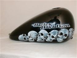 White Skullies on Black Picture